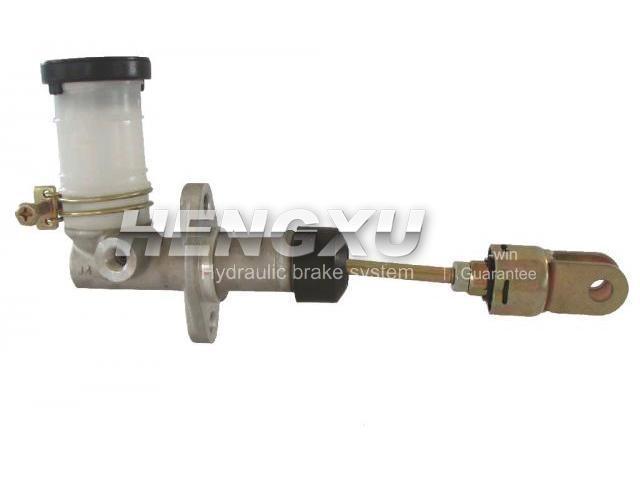 Clutch Master Cylinder:MB 012261