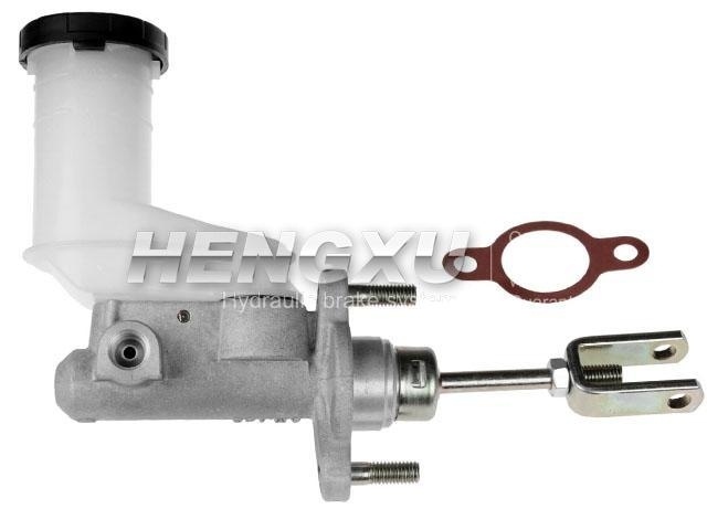 Clutch Master Cylinder:8-97943-407-0